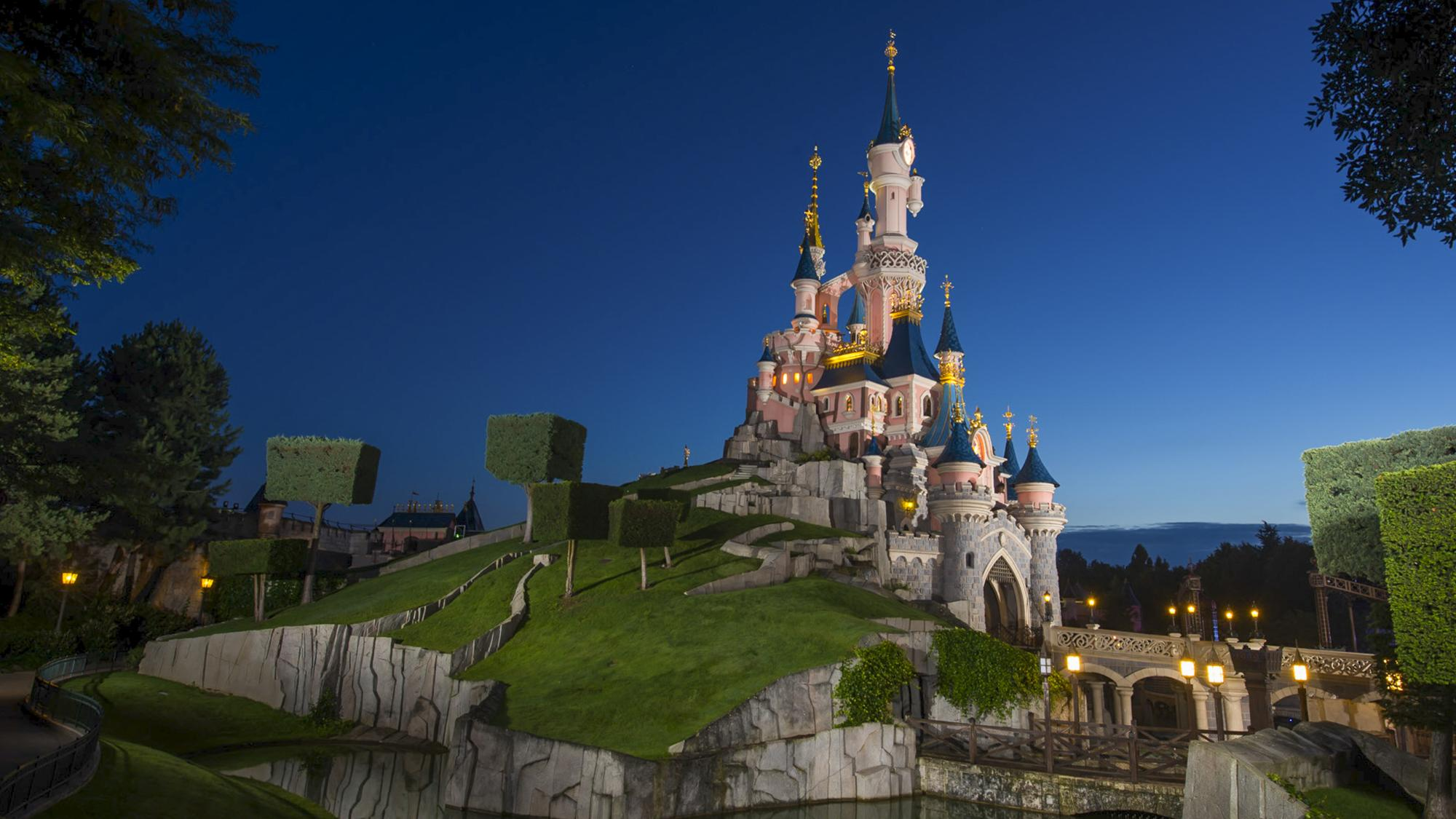 Best Time To Travel To Disneyland Paris
