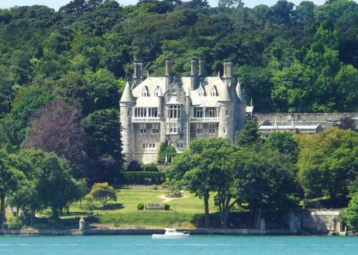 5 Star Victorian Chateau In Anglesey