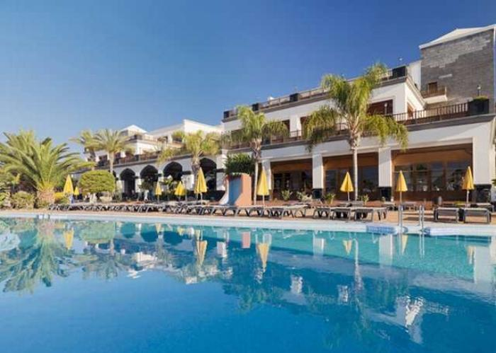 Lanzarote opulence in an exclusive setting