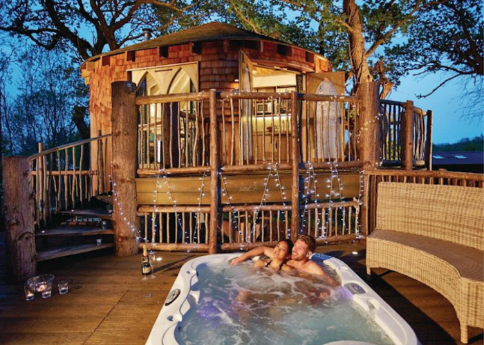 Luxury Couples Treehouse Escape
